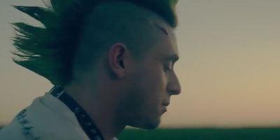 """Pure Punk-Anarchie: Im ersten Trailer zu """"Bomb City"""" heißt es Rocker gegen Sport-Proleten"""