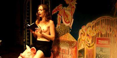"""""""Der Geschmack von Leben"""": Viel nackte Haut im Trailer zur Erotik-Dramödie"""