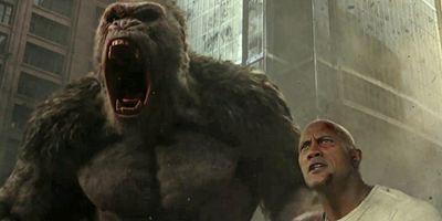 """Gorilla und The Rock vs. Riesen-Krokodil im neuen Trailer zu """"Rampage"""""""