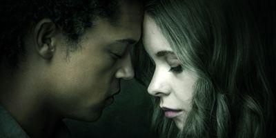 """Romeo und Julia mit Superkräften: Exklusiver Teaser zur neuen Netflix-Serie """"The Innocents"""" mit Guy Pearce"""