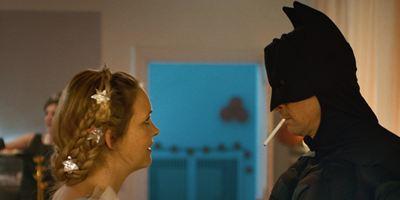 """Erster Trailer zu """"Zwei im falschen Film"""": Marc Hosemann und Laura Tonke auf der Suche nach der verlorenen Liebe"""