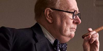 """""""Die dunkelste Stunde"""": Seht im Video, wie aufwändig Oscar-Favorit Gary Oldman in Winston Churchill verwandelt wurde"""