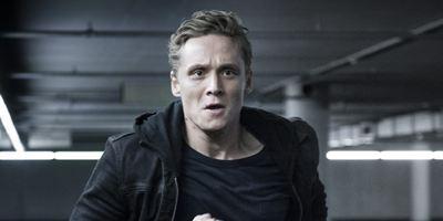 """""""You Are Wanted"""": Erster Trailer zur 2. Staffel der Amazon-Serie von und mit Matthias Schweighöfer"""