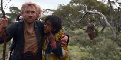 """Ab 18. Mai auf Netflix: In """"Cargo""""-Trailer muss Martin Freeman  sein Baby loswerden, bevor er selbst zum Zombie wird"""