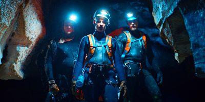 """Tödliche Abgründe: Deutscher Trailer zum Höhlen-Thriller """"The Cave - Bis zum letzten Atemzug"""""""