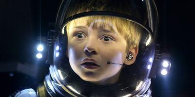 """Unser Interview mit den """"Lost In Space""""-Kids: Mit 12 Jahren schon """"Alien"""" gesehen"""