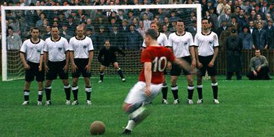 """Neue Europa-Offensive: Netflix macht Fußball-Serie """"The English Game"""" mit """"Downton Abbey""""-Schöpfer"""