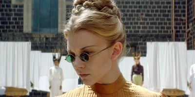 """Verstörend-psychedelisch: Deutscher Trailer zu """"Picnic At Hanging Rock"""" mit """"Game Of Thrones""""-Star Natalie Dormer"""