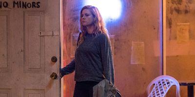 """""""Sharp Objects"""": Amy Adams im 1. Trailer zur HBO-Adaption von Gillian Flynns Bestseller """"Cry Baby"""""""