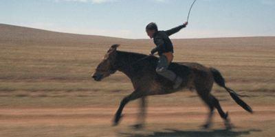 """Der Trailer zu """"Zud"""" zeigt den rauen Alltag einer Nomadenfamilie"""