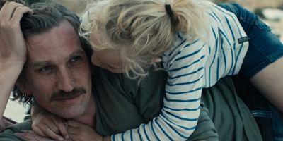 """Im Trailer zum melancholischen Kino-Drama ist """"Die Tochter"""" gegen die Liebe ihrer Eltern"""
