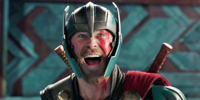"""Avengers 3""-Erfolg macht Thor übermütig: Chris Hemsworth nimmt Dwayne Johnson auf den Arm"