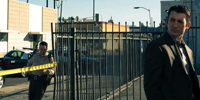 "Neon-Arthouse auf Amazon? Erster blutiger Trailer zur Nicolas-Winding-Refn-Serie ""Too Old To Die Young"""