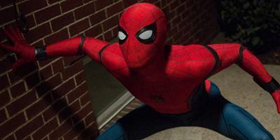 """Zum Drehschluss von """"Spider-Man: Far From Home"""": Tom Holland postet Bild mit neuem Anzug"""