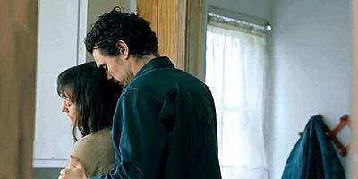 """Lässt seine Familie im Stich: James Franco im Trailer zu """"Don't Come Back From The Moon"""""""