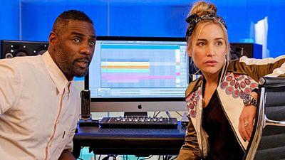 """Erste Bilder zur neuen Netflix-Serie """"Turn Up Charlie"""" –  mit Idris Elba als Kindermädchen"""