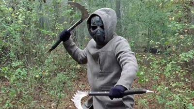 """Wer steckt bei """"The Walking Dead"""" hinter der Maske? Ausblick auf das verschobene Finale von Staffel 10"""