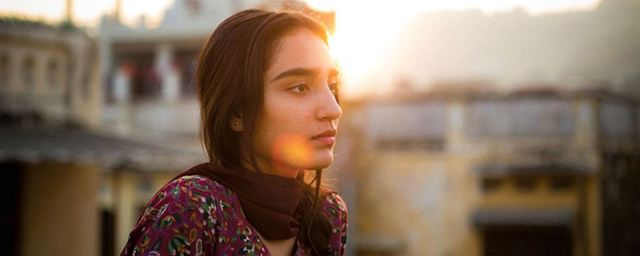 """Im deutschen Trailer zu """"Was werden die Leute sagen"""" entführt eine pakistanische Familie aus Sorge ihr eigenes Kind"""
