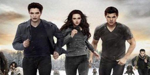 """US-Charts: """"Twilight 4.2"""" beißt sich durch und verdrängt """"Skyfall"""" vom ersten Platz"""