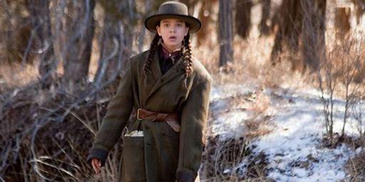 """""""True Grit""""-Star Hailee Steinfeld neben Kevin Costner in Action-Thriller von Regisseur McG"""