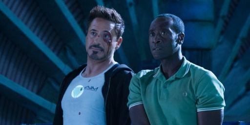 """""""Iron Man 3"""": Neuer Clip mit neuem Bildmaterial zum Superhelden-Abenteuer mit Robert Downey Jr."""