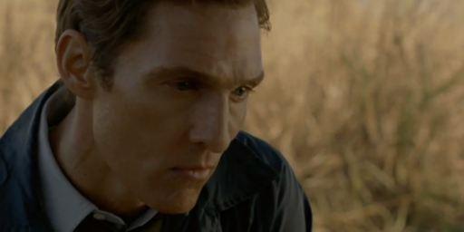 """Matthew McConaughey und Woody Harrelson auf Killerjagd: Neuer Trailer zu """"True Detective"""""""