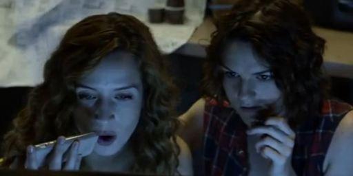 """Echtes Blut an Halloween: Erster Trailer zum Horrorfilm """"The Scarehouse"""""""