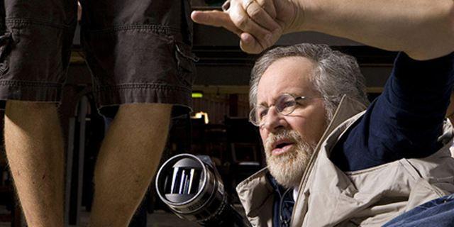 """Tierschützer protestieren gegen Dreh von Steven Spielbergs """"The Big Friendly Giant"""""""
