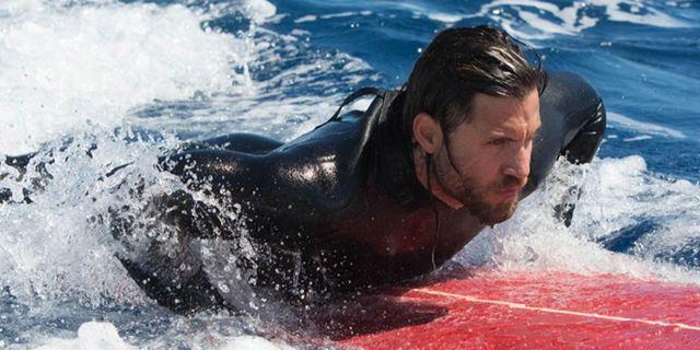 """""""Point Break"""": Im deutschen Trailer sind Luke Bracey und Edgar Ramirez als Adrenalinjunkies auf der Suche nach dem nächsten Kick"""