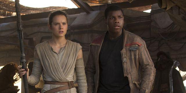 """Cooles Video mit vielen Tanzeinlagen: Daisy Ridley und John Boyega rappen über den """"Star Wars 7""""-Dreh"""