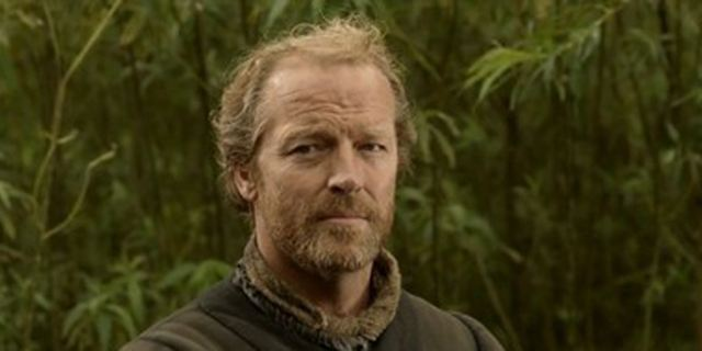 """Game Of Thrones""-Star Iain Glen trifft im Trailer zur Sci-Fi-Serie ""Cleverman"" auf haarige Superhelden"