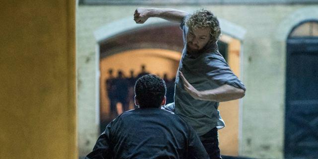 """""""Iron Fist"""": Finn Jones als lebende Waffe im neuen Trailer zur Marvelserie"""