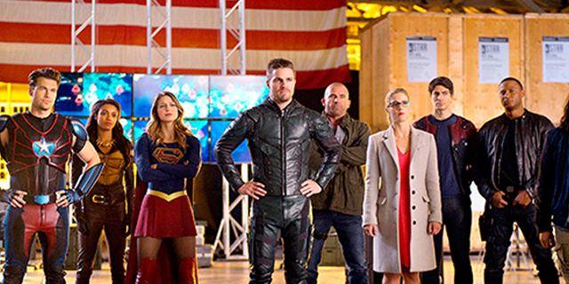 """Aliens und die Rückkehr von Deathstroke im Trailer zum Crossover von """"Supergirl"""", """"The Flash"""", """"Arrow"""" und """"Legends Of Tomorrow"""""""