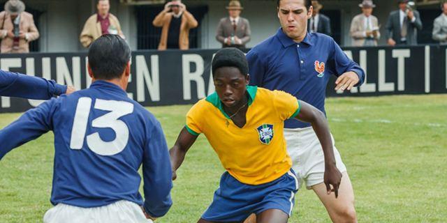 """Deutscher Trailer zum Fußballer-Biopic """"Pelé – Der Film"""""""
