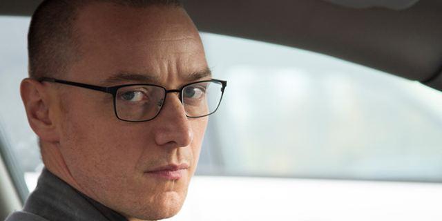 """""""Was ist das denn?"""": Im exklusiven Featurette zu """"Split"""" schildert James McAvoy seine Eindrücke vom Drehbuch"""