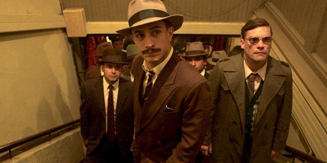 """""""Neruda"""": Deutscher Trailer zu Pablo Larraíns Biopic mit """"Mozart In The Jungle""""-Star Gael García Bernal"""