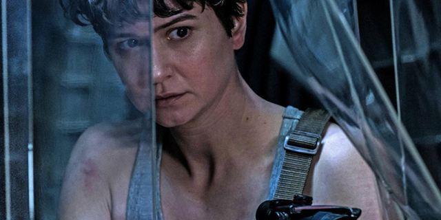 """""""Prologue: Last Supper"""": Seht im Kurzfilm zu """"Alien: Covenant"""", wie sich die Crew um Katherine Waterston auf ihren blutigen Einsatz vorbereitet"""