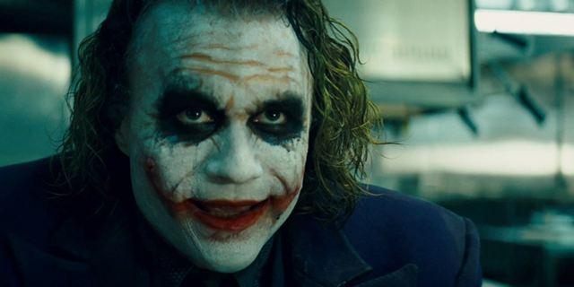 """Praktischer Grund: Darum leckt sich Heath Ledger als """"The Dark Knight""""-Joker so oft die Lippen"""
