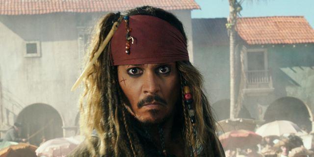 """Deutsche Kinocharts: """"Fluch der Karibik 5"""" weiterhin auf der Eins vor Neueinsteiger """"Baywatch"""""""