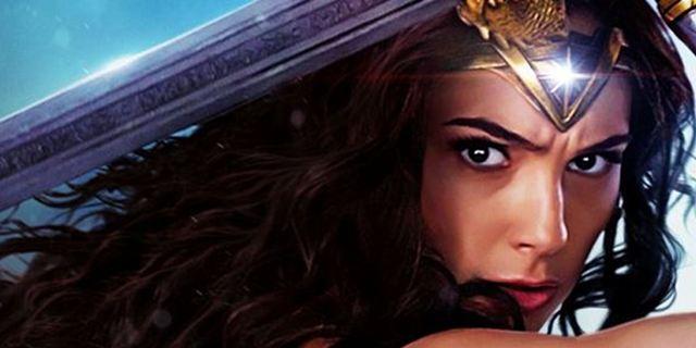 """#WWgotyourback: """"Wonder Woman""""-Fans zelebrieren scharfen Trend mit Bildern und Videos"""
