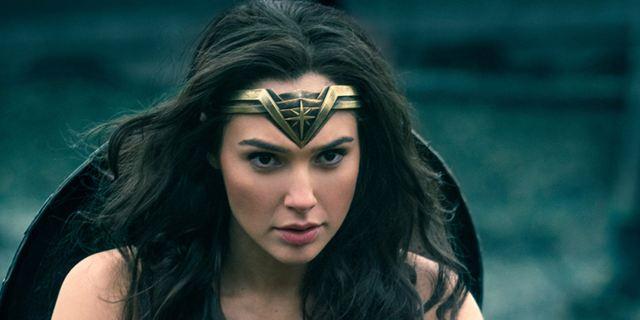 """Frauen-Power in den deutschen Kinocharts: """"Wonder Woman"""" vor """"Baywatch"""" an der Spitze"""