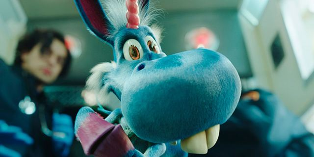 """""""Happy!"""": Erster Trailer zur Comedy-Serie mit Patton Oswalt als kleines, blaues, fliegendes Cartoon-Einhorn"""