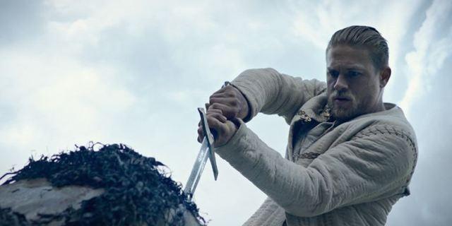 """Zum Heimkinostart von """"King Arthur: Legend Of The Sword"""": Die besten Schwertkämpfe der Filmgeschichte"""