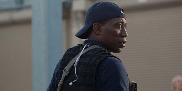 """Deutscher Trailer zu """"Armed Response - Unsichtbarer Feind"""": Wesley Snipes ist im Hochsicherheitstrakt gefangen"""
