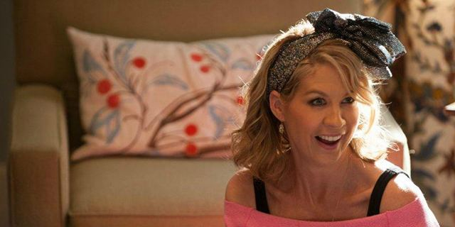 """Dharma & Zombies"": Kult-Sitcom-Star Jenna Elfman wird neue Hauptdarstellerin in ""Fear The Walking Dead"""