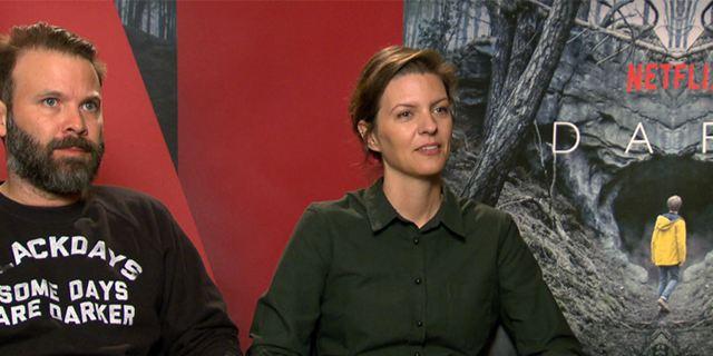 """""""Twin Peaks hat uns sehr inspiriert"""": Das FILMSTARTS-Interview zur deutschen Netflix-Serie """"Dark"""" mit den Machern und dem Cast"""