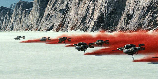 """Jetzt auch mit Weltraum-Pferden: Neuer internationaler Trailer zu """"Star Wars 8: Die letzten Jedi"""""""