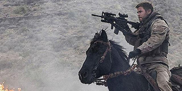 """""""Operation: 12 Strong"""": Erster deutscher Trailer zum Kriegsdrama mit """"Thor""""-Star Chris Hemsworth"""