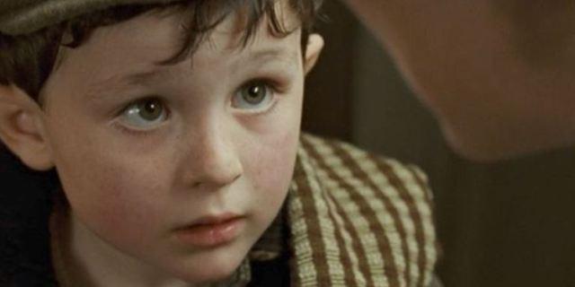 """Enthüllt: So viel Geld bekommt der kleine Junge aus """"Titanic"""", der nur einen Satz sagt, auch heute noch jedes Jahr"""