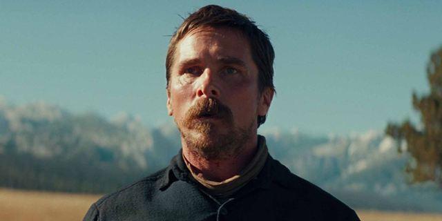 """""""Hostiles"""": Erster deutscher Trailer zum Western-Drama mit Christian Bale und Rosamund Pike"""